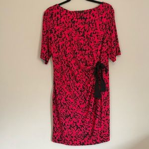 Just...Taylor Pink and Black Side Tie Dress